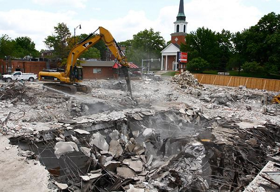 The demolition of the Regency Hotel site. Photo by Timmy Huynh of the Columbia Missourian