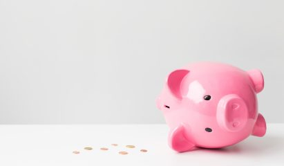 Empty piggy bank>