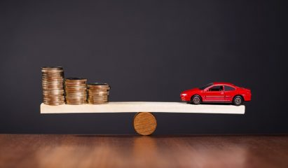 Car and coins balancing>